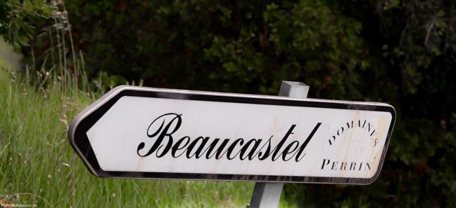 Der Weg zu Château de Beaucastel